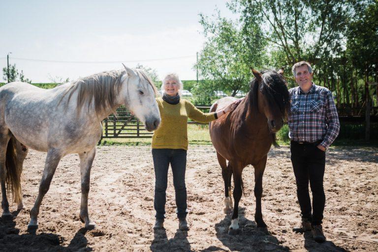 Kheiron | Equine Assisted Learning | Klara en Philip met Cartujano en Peruaanse Paso paarden