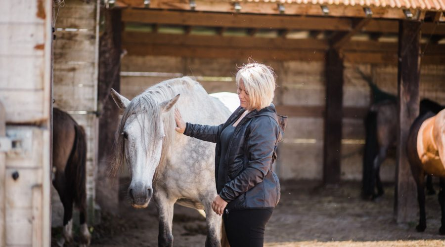 Kheiron | Equine Assisted Learning | Tine met Cartujano paard